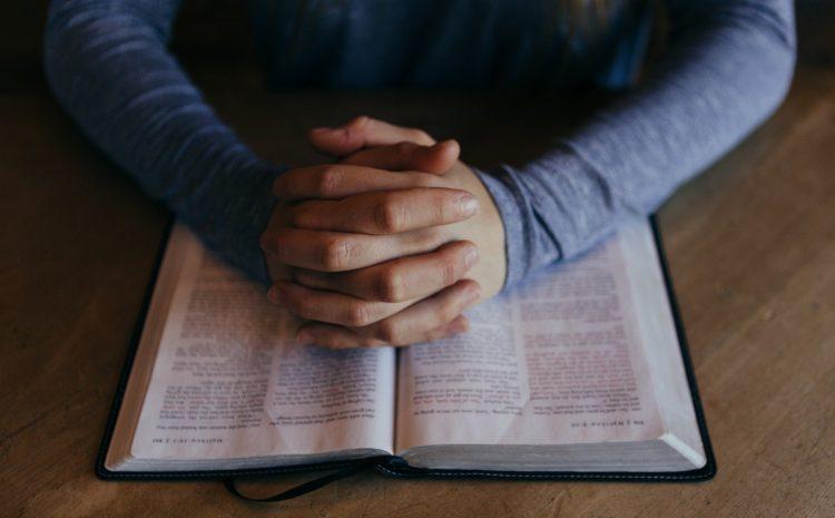 Como começar a ler a Bíblia